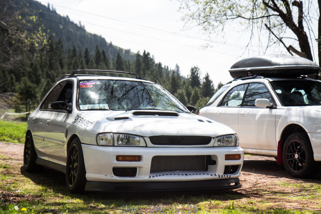 lowered subaru impreza and lifted subaru impreza wagon